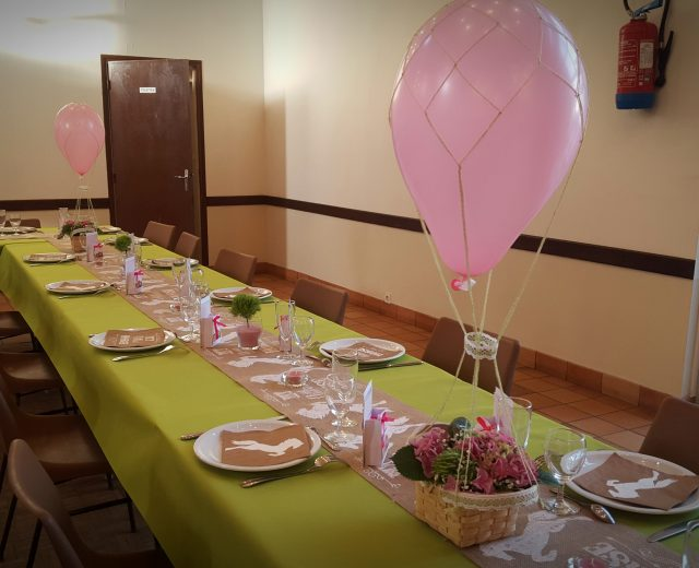 deco-de-table_theme-cheval-rose-et-vert_centre-de-table